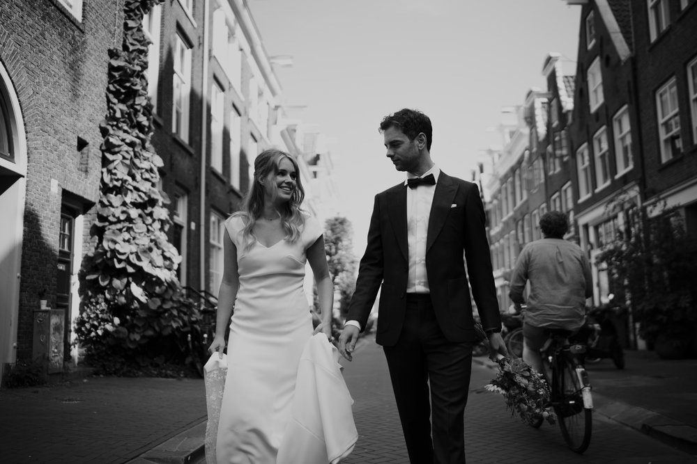 Beautiful wedding in Amsterdam photographed by wedding photographer Mark Hadden