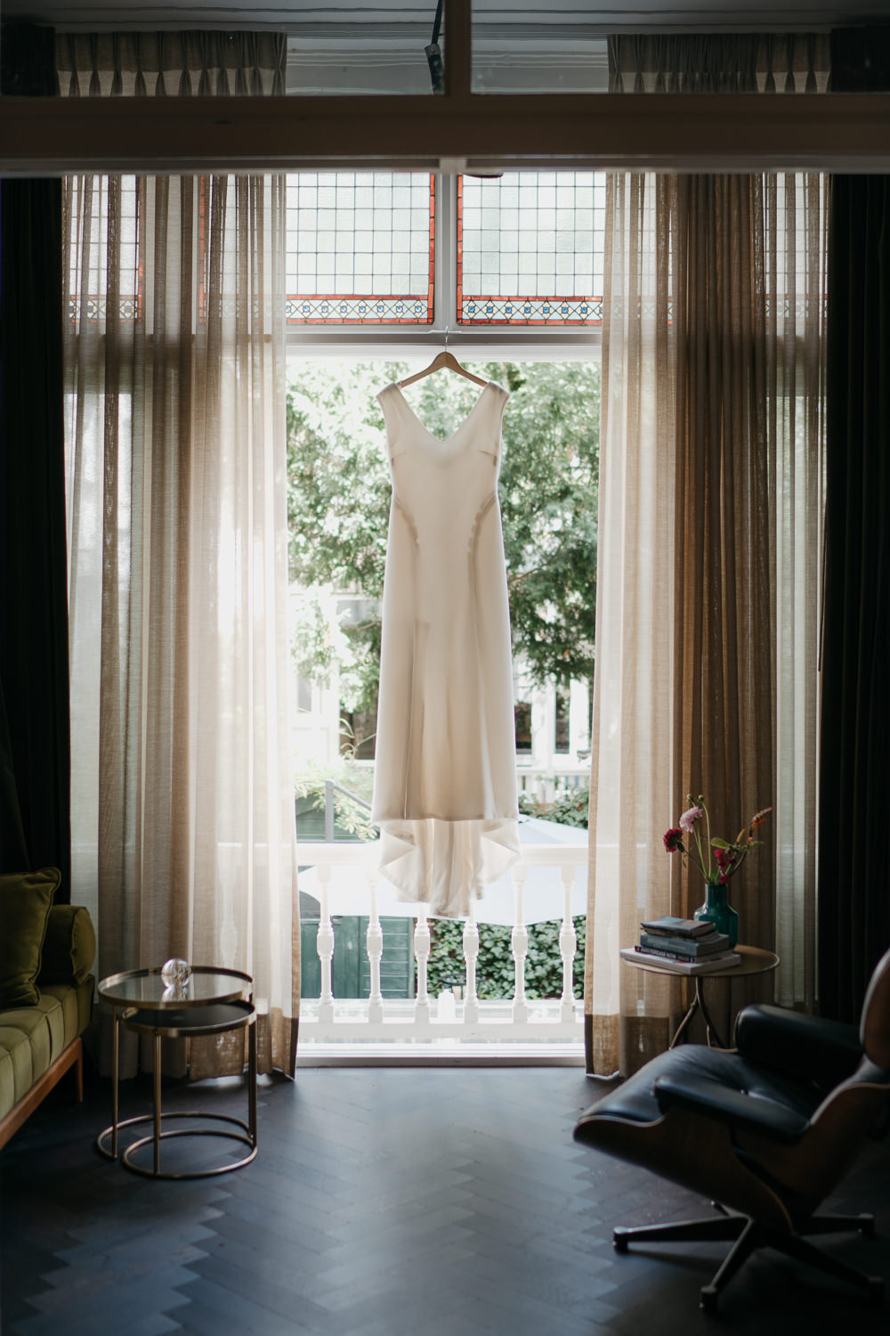 beautiful photograph of wedding dress by Mark Hadden amsterdam wedding photographer