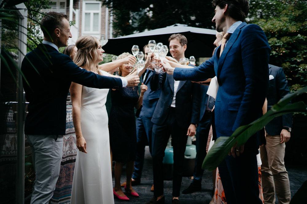 Prachtig huwelijk in amsterdam gefotografeerd door de beste trouwfotograaf in amsterdam Mark Hadden