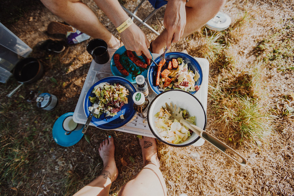 reissupaku ruokailu
