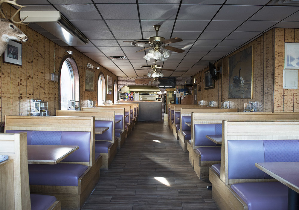 jimmie's_pizza_interior.jpg