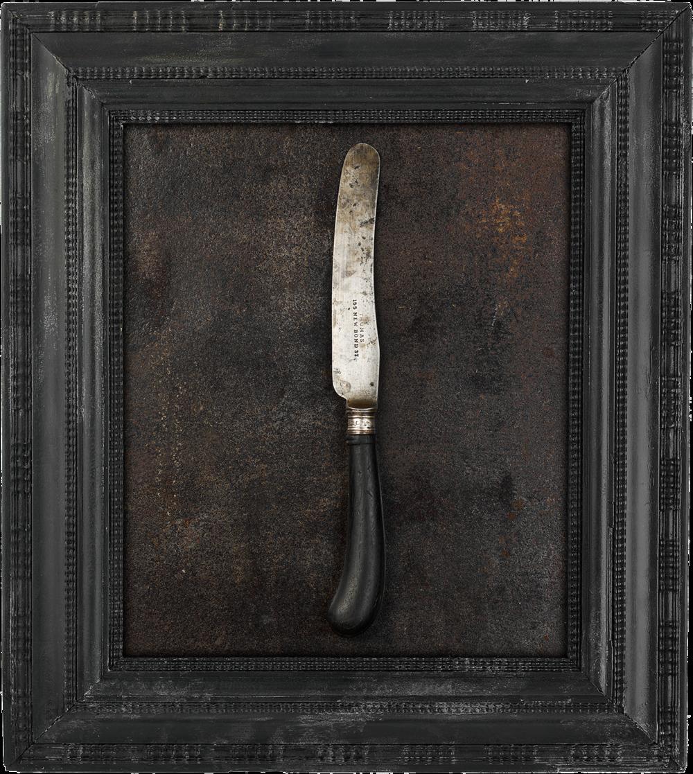 #04_ThomasBlackHandleKnife