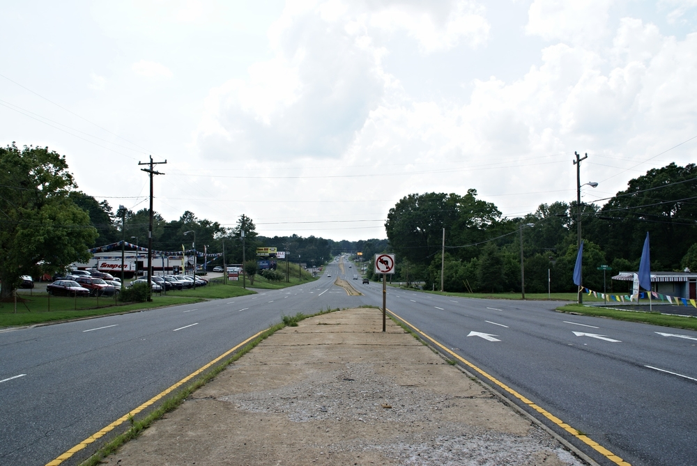 Wilkinson Boulevard at Kee Road