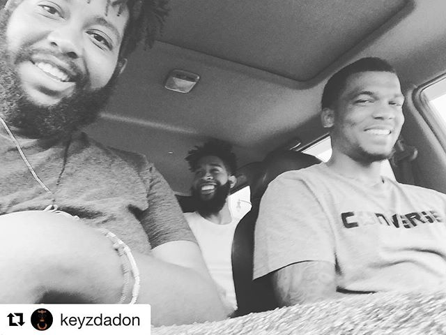 #Repost @keyzdadon with @repostapp ・・・ My first two real friends in life! Been low down but we smilinnnnn!  #Rawston #MLE #maschinelife