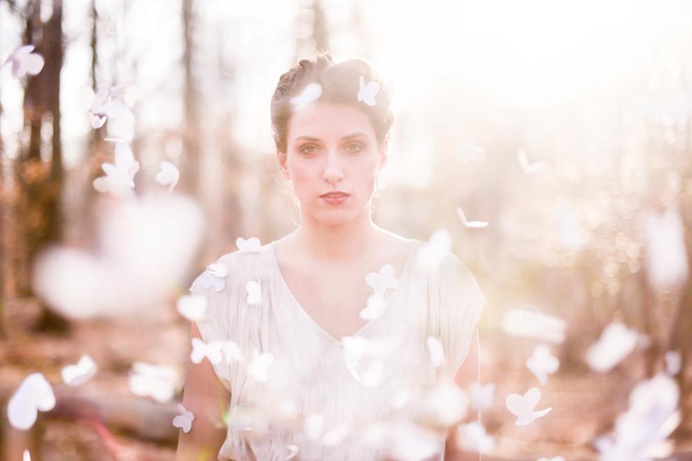 blush//whimsical//lifestyle//bridal//woods//wedding