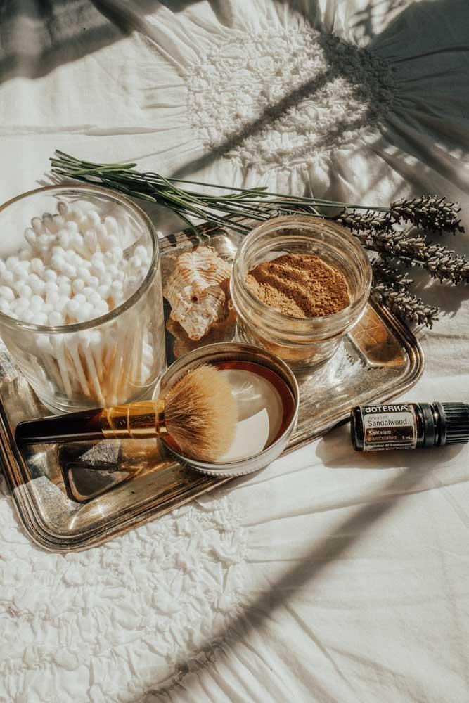 all-natural-dry-shampoo-recipe-via-www.thewildrogue.com-2.jpg
