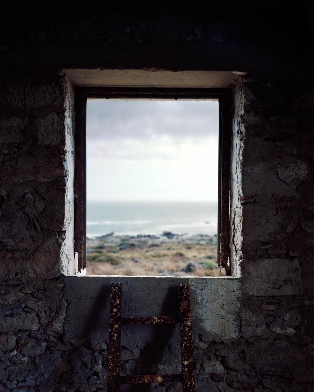 WINDOW CRETE #01