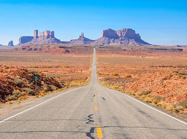 et les routes désertes bien sûre