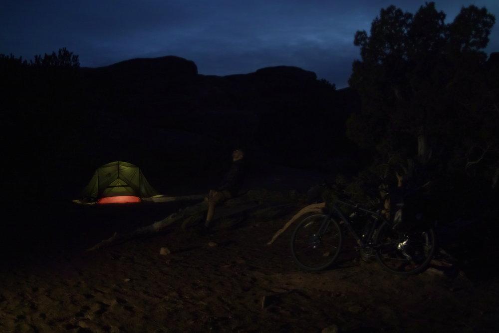 Petite photo souvenir avec Betty et ma tente