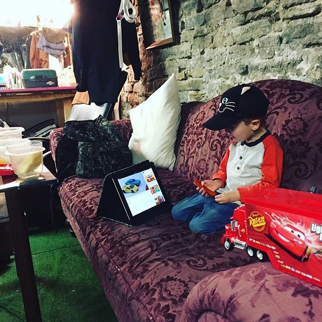 Our green room hunny. If you come early, you may catch him for a hug. #bohdragon #butterflyRP @the_storefrontto #greenroom #theatrekid