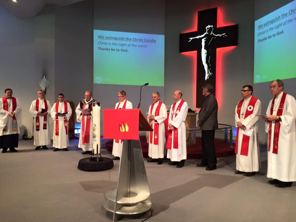 Rev. Mark Whitfield leading liturgy with the Rapaki at the LCA Convention & Synod (PHOTO: Tim Wiebusch)