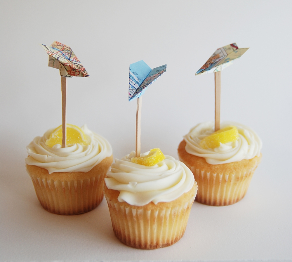airplane_cupcake_toppers.jpg
