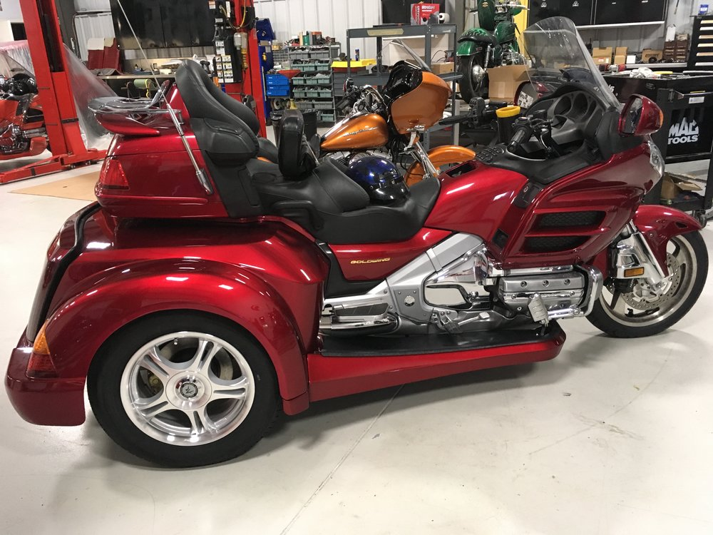 Honda Goldwing 1800 Roadsmith trike kit conversion (red)