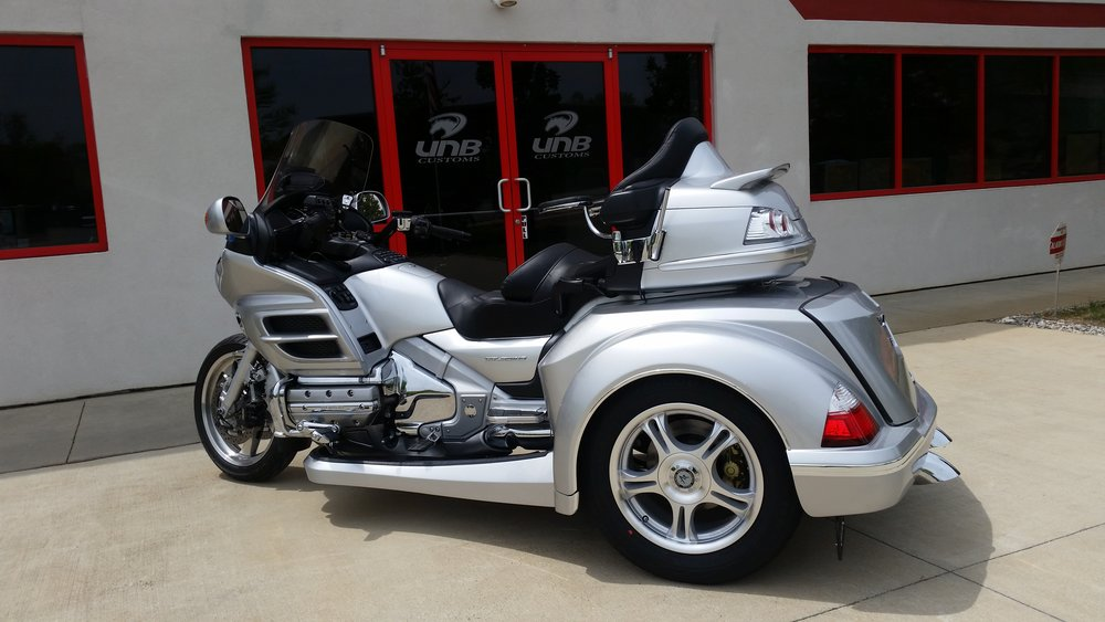 Honda Goldwing 1800 Roadsmith trike conversion (silver)