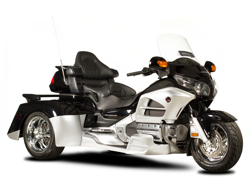 Goldwing-Whale-Tail-180-Frontside.jpg