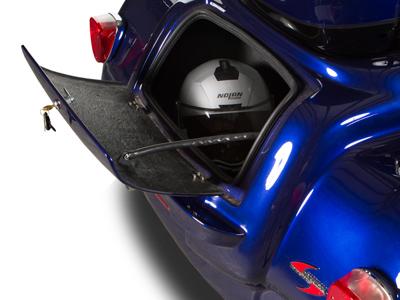 Yamaha-Venture-trunk.jpg
