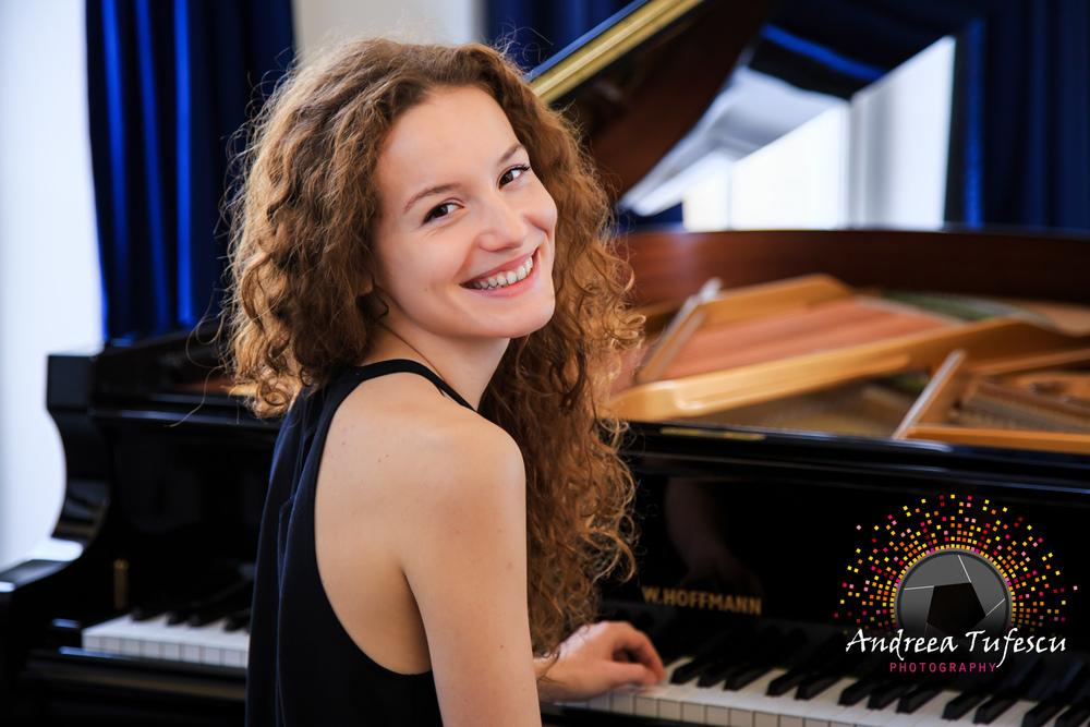Pianist LENA NAPRADEAN