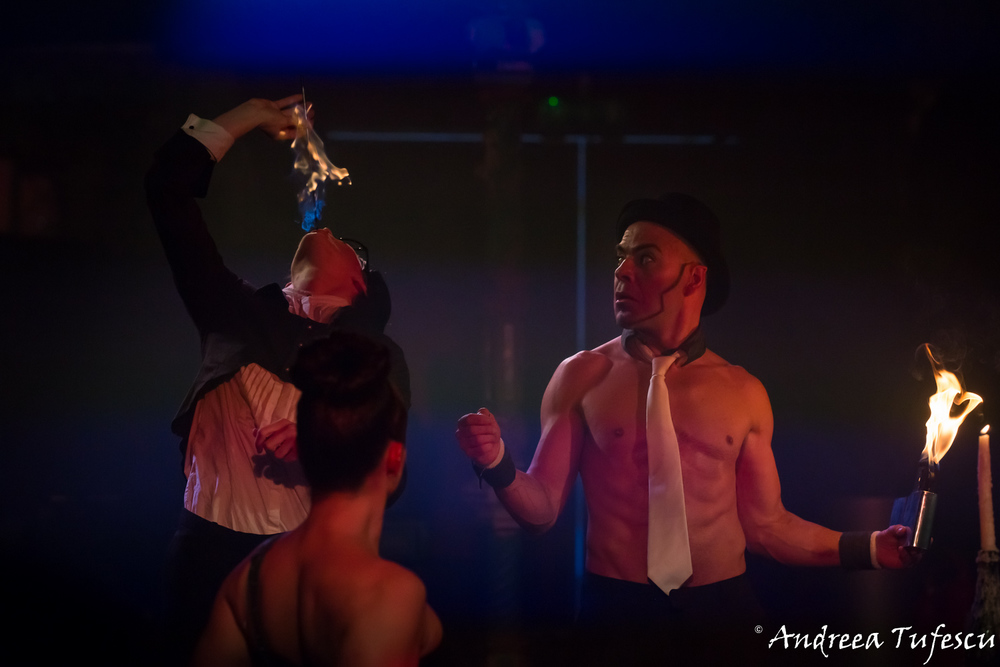 Spiegeltent Circus at Canary Wharf by London photographer Andreea Tufescu