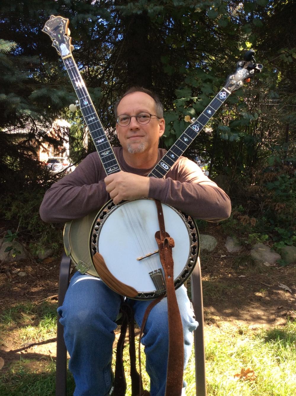 Ivanovich 2 banjos.JPG