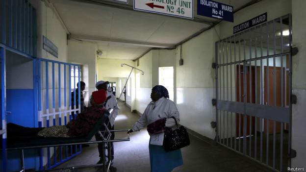 El aislamiento de los pacientes es una medida básica para detener la expansión de la enfermedad.