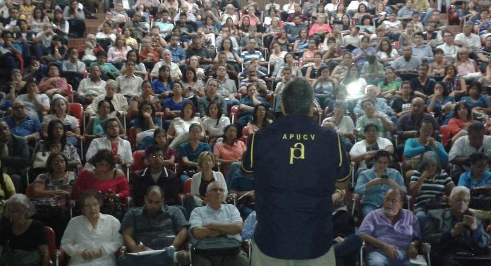 Asamblea de APUCV ratifica llamado a no iniciar actividades académicas | Fot: cortesía