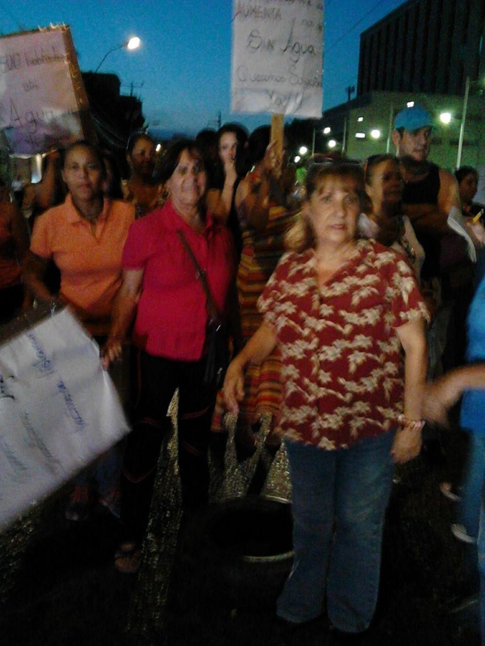Vecinos de VistaMar hacen un llamado a Aristóbulo Isturíz para que resuelva el problema. Foto: