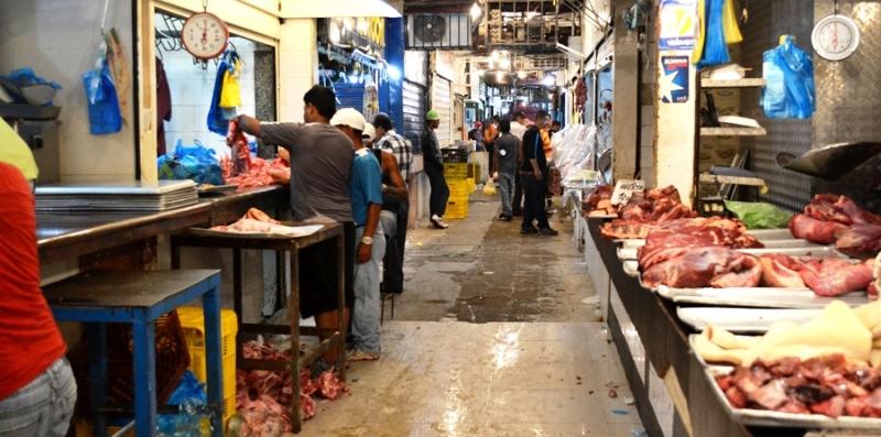 Carniceros preocupados por la obligación de vender a bajo costo Foto: Archivo