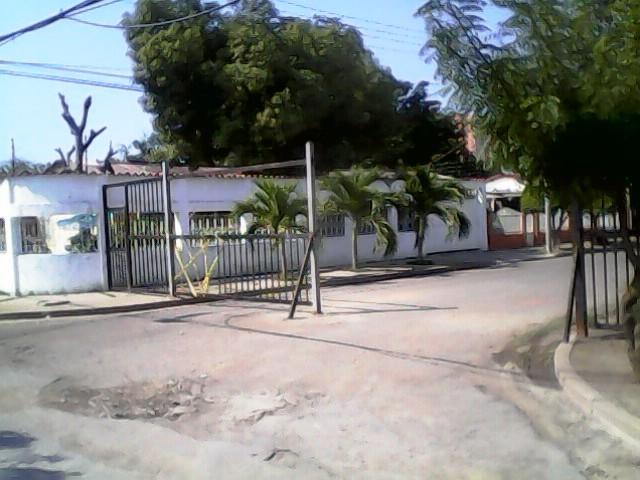 A pesar de los robos, el cierre de calles ha generado controversia entre los vecinos Foto: Juan Afonso
