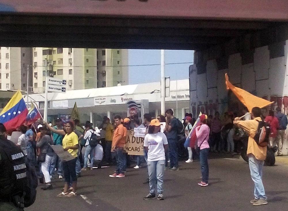 Jóvenes de diversos partidos se concentraron en el elevado Fabricio Ojeda Foto: @pressoriente