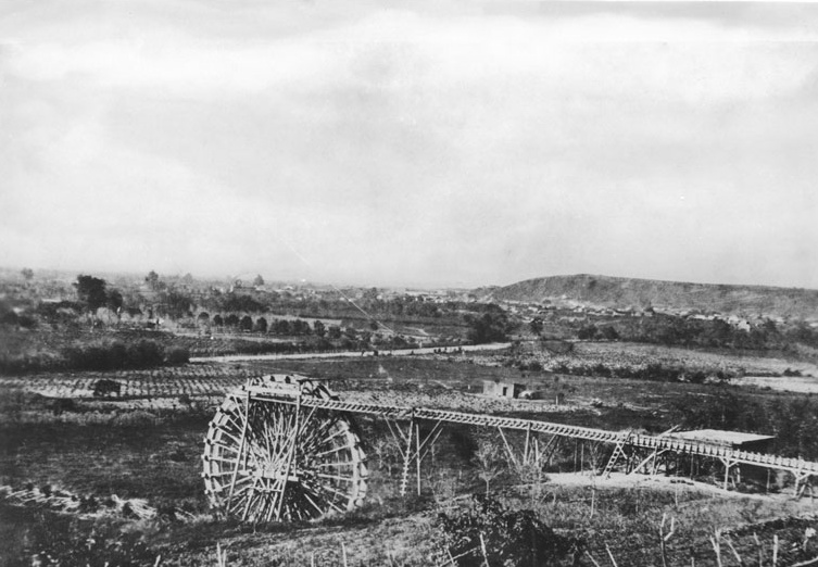 A water wheel on the Los Angeles River at start of Zanja Madre.