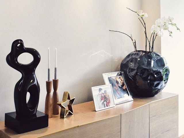 We love seeing our work displayed by our beloved friends and customers! All the way from Ecuador, @daysofdarling sent us this photo of our candle holders in her stunning home.