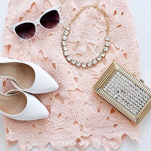 Irina clutch with the chicest accessories 👌 #starletclutches #blushvibes