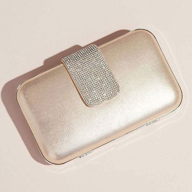 What a beautiful metallic clutch ✨ We love the crystal closure 😍 📸: @davidsbridal  Get yours today! 💕