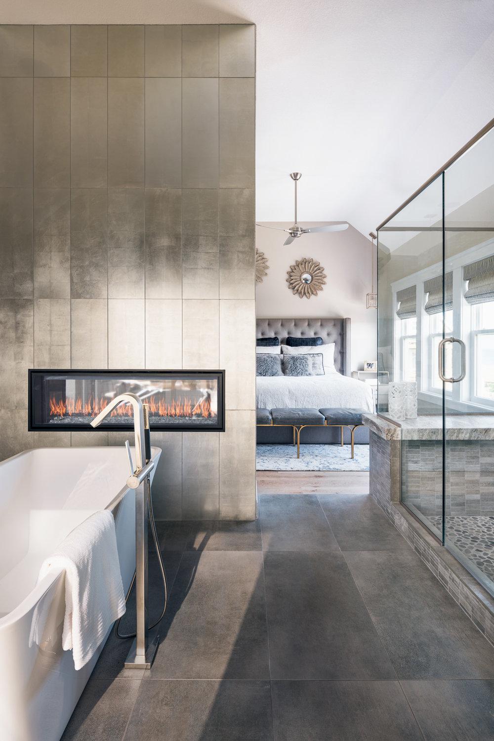 interior-bathroom-vignette.jpg