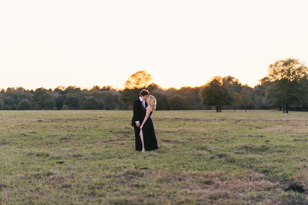 savannah-engagement-photographer-savannah-wedding-photographer-engagement-sessions-in-statesboro-georgia-savannah-engagement-photographers