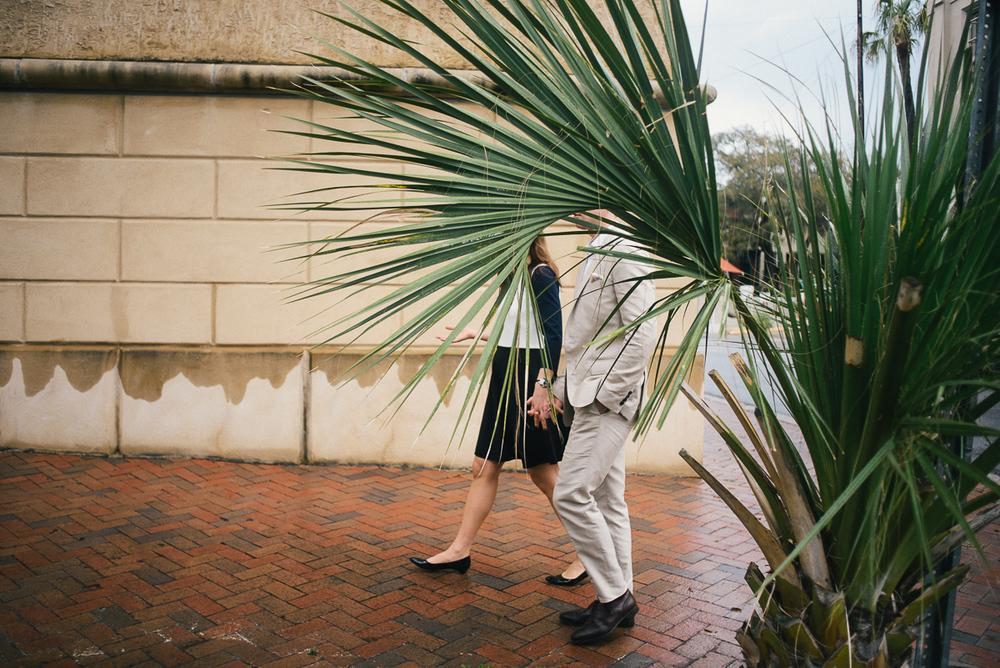 savannah-engagement-photographer-engagement-photographers-in-savannah-georgia-forsyth-park-engagement-session