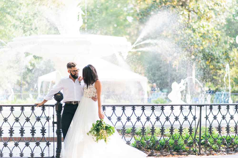 savannah-georgia-elopement-photographer-elopement-venue-in-savannah-georgia-elopement-wedding-planner-savannah-georgia-forsyth-park-elopement-local-11-ten-ivory-and-beau