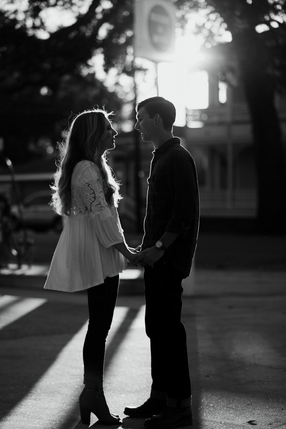 savannah-georgia-engagement-session-forsyth-park-engagement-session-savannah-engagement-photographer-meg-hill-photo