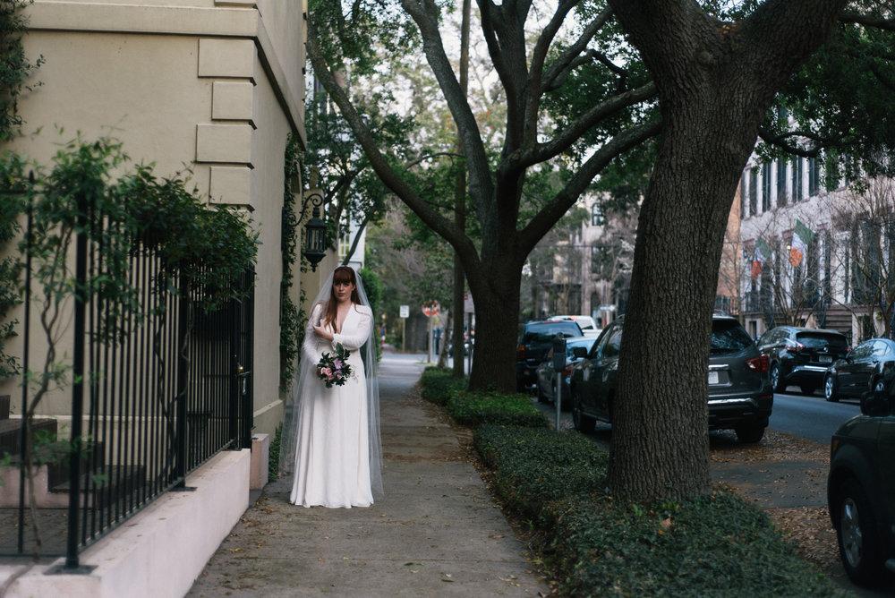 savannah-elopement-photography-savannah-georgia-elopement-photographer-savannah-wedding-photographer-meg-hill-photo-jade-hill- (47 of 58).jpg