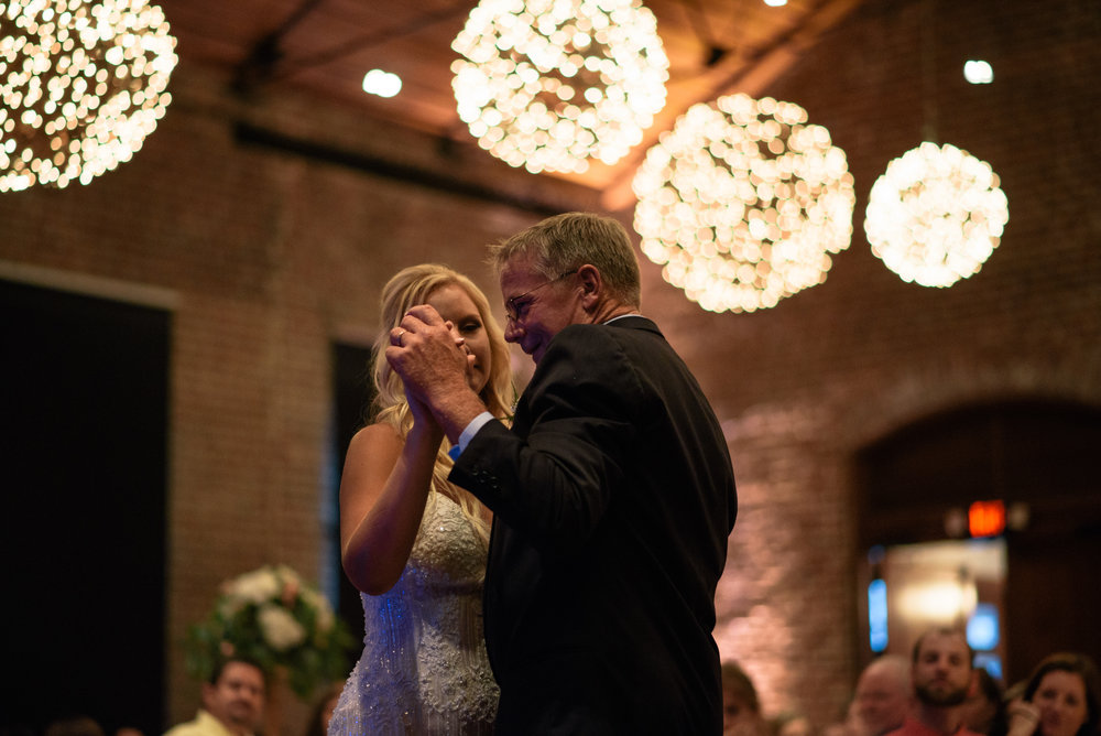 savannah-and-nick-savannah-georgia-july-wedding-meg-hill-photo- (722 of 172).jpg