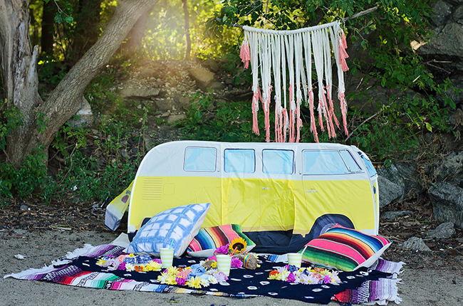 VW bus tent // picnic on the beach