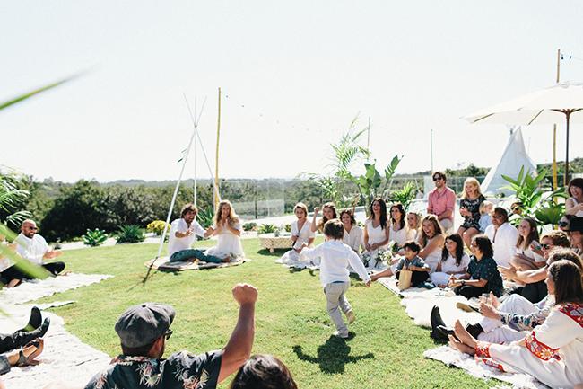 Sunny picnic wedding