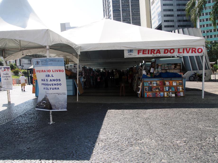 feirinha_livros