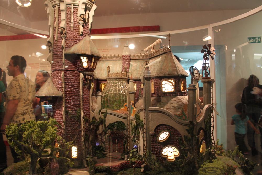 Pra quem assistia ao Castelo, ao ver essa miniatura imediatamente vemà mente a abertura do programa :)