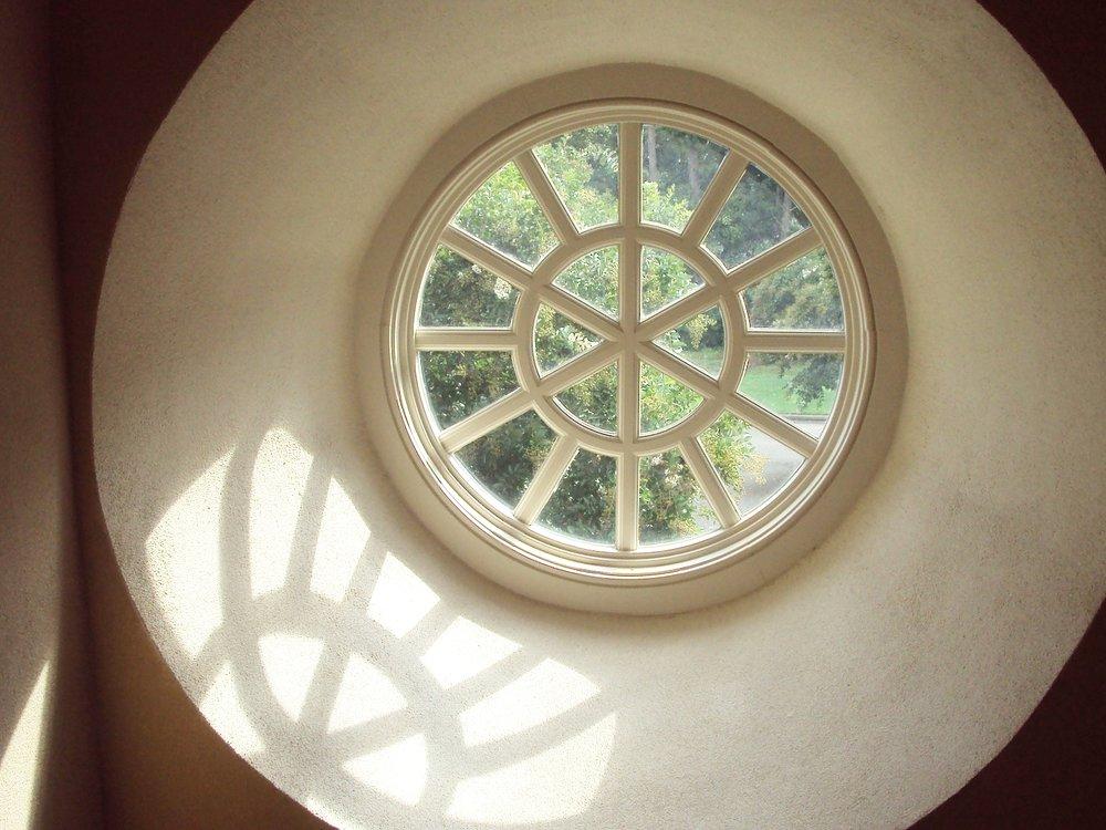 window-1800872_1920 (002)_pe.jpg