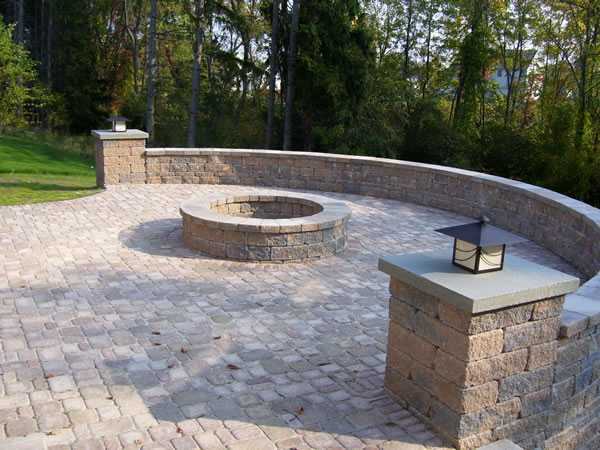 patio fire pit 1.jpg