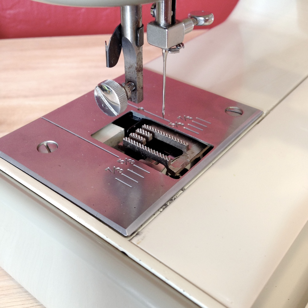 what to look for in a sewing machine