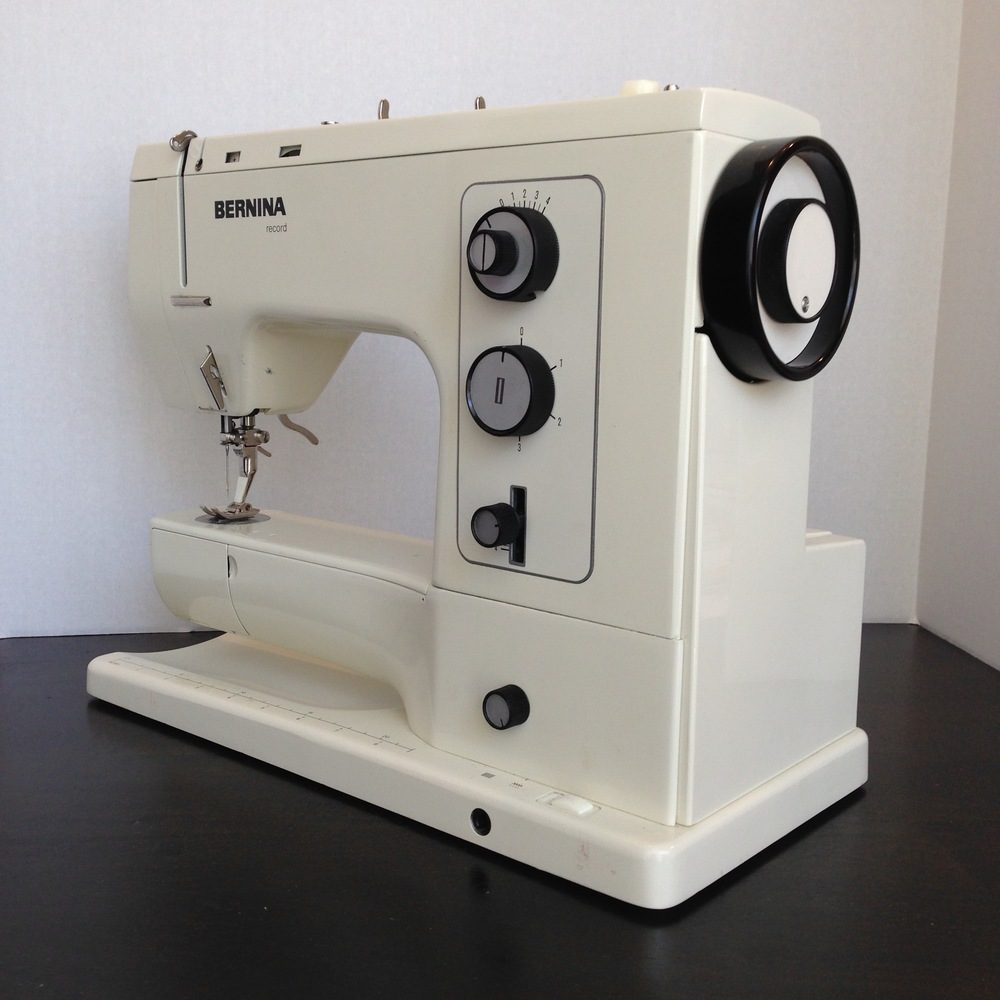Bernina 830 Record Review Ashley And The Noisemakers Sewing Machine Threading Diagram Perhaps One Of Most Striking Things About 800 Series Berninas Are Their Sleek Elegant Design Cosmetically These Have Certainly Held Up To