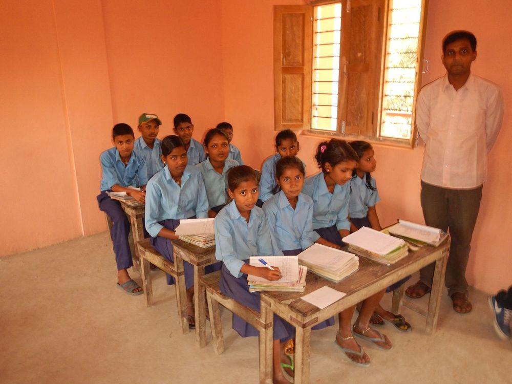 grade 5 girls.JPG