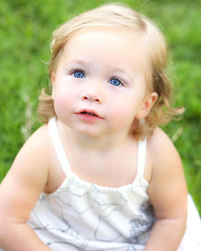 """How do you say """"no"""" to beautiful, blue-eyed Natalia?! @bnafulla what a beautiful daughter you have, make me one too! #babyphotography #toddlerphotography #familyphotography"""